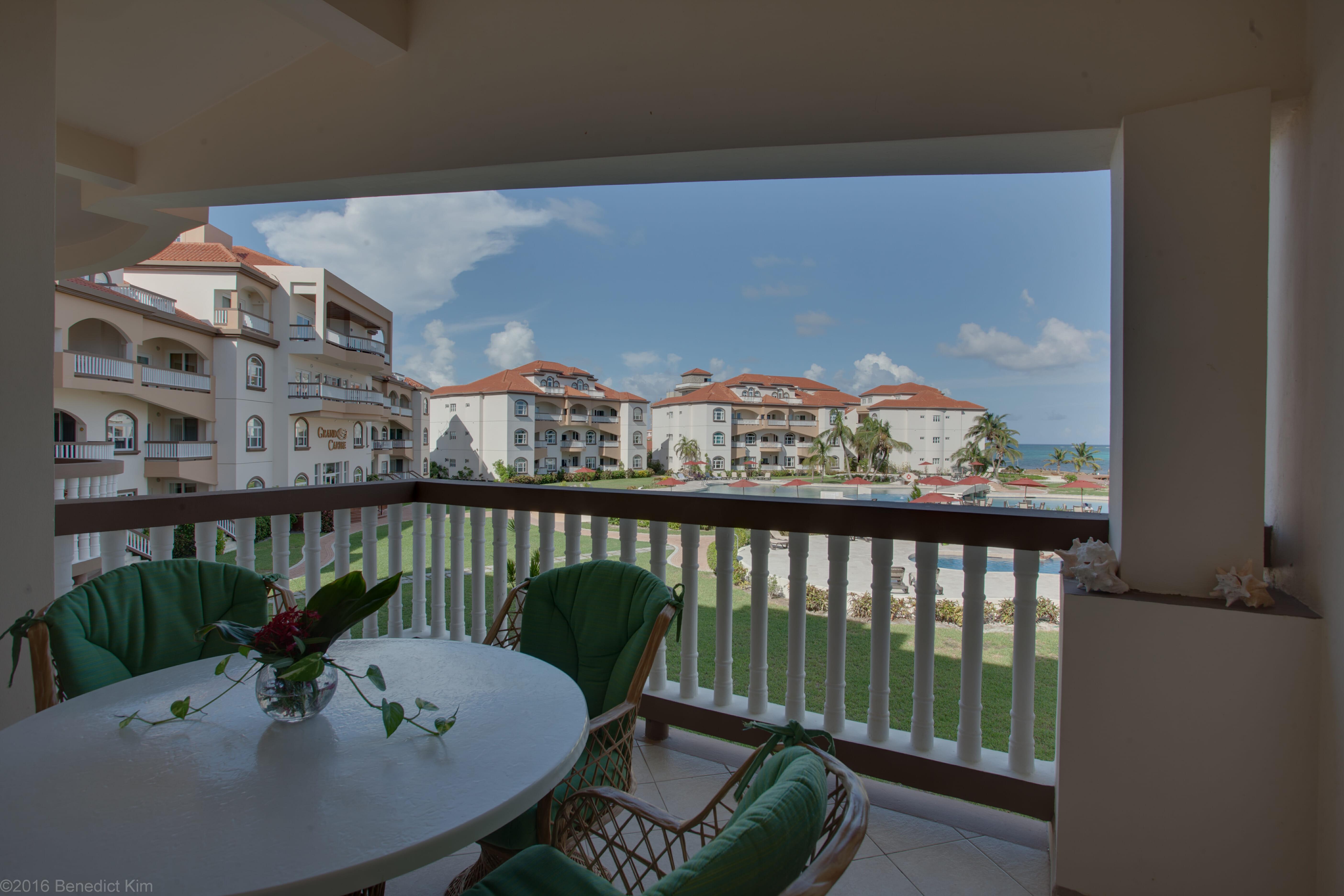 Grand Caribe Condo 2BR : F4