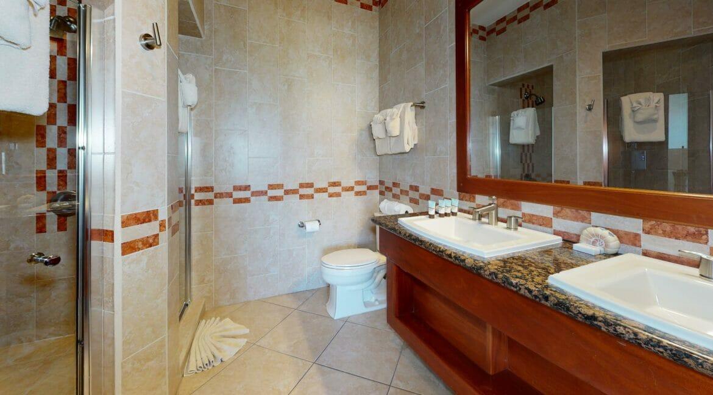 Grand-Caribe-E6-Bathroom