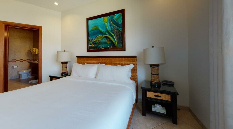 Grand-Caribe-E6-Bedroom(1)