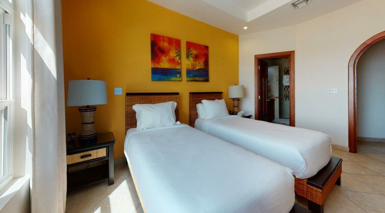 Grand-Caribe-E6-Bedroom(2)