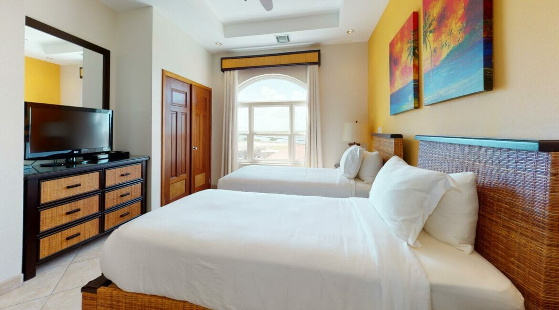 Grand-Caribe-E6-Bedroom(3)