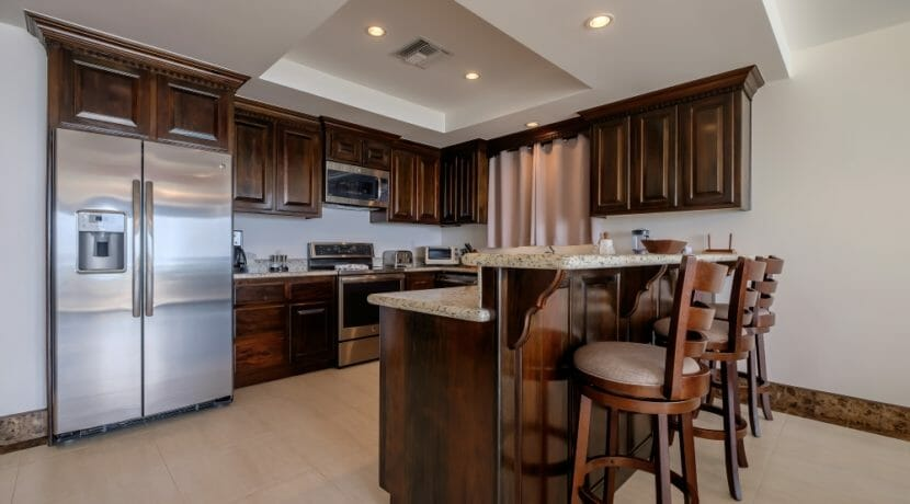16 Belvoir South 2-4 Kitchen