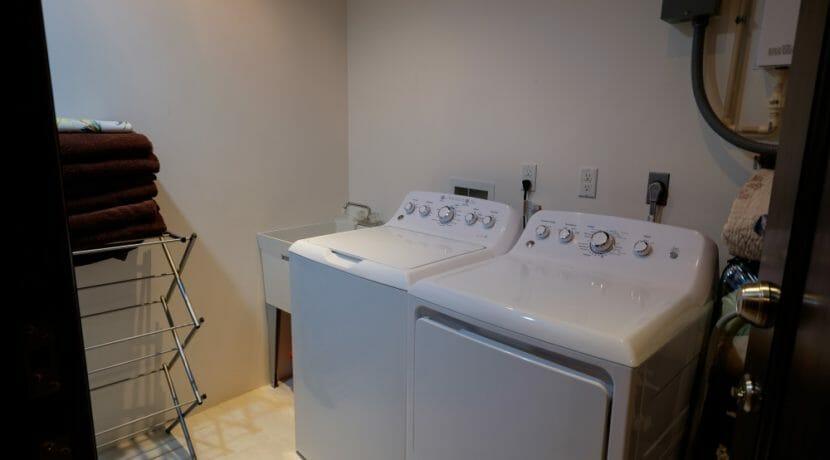 28 Belvoir South 2-4 Laundry Room