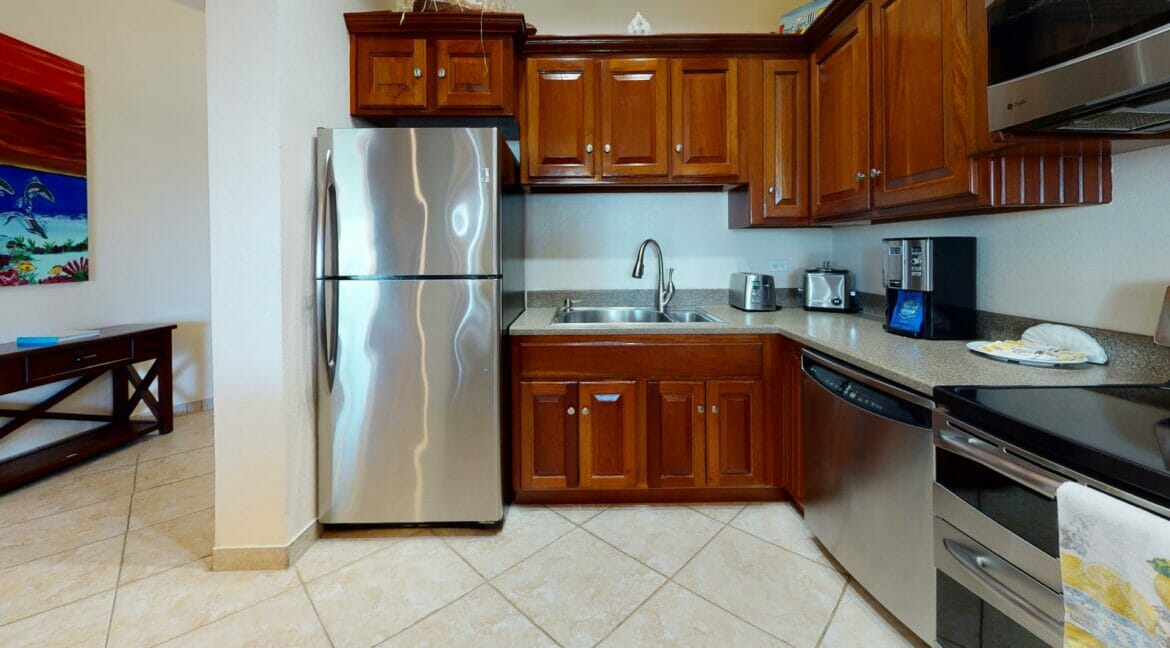 Grand-Caribe-Ocean-Front-A2-Kitchen(1)